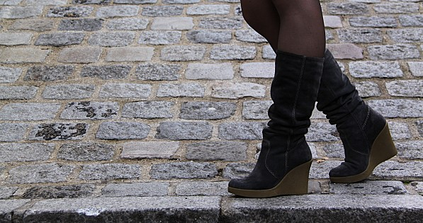 boots-compensees-daim-via-uno