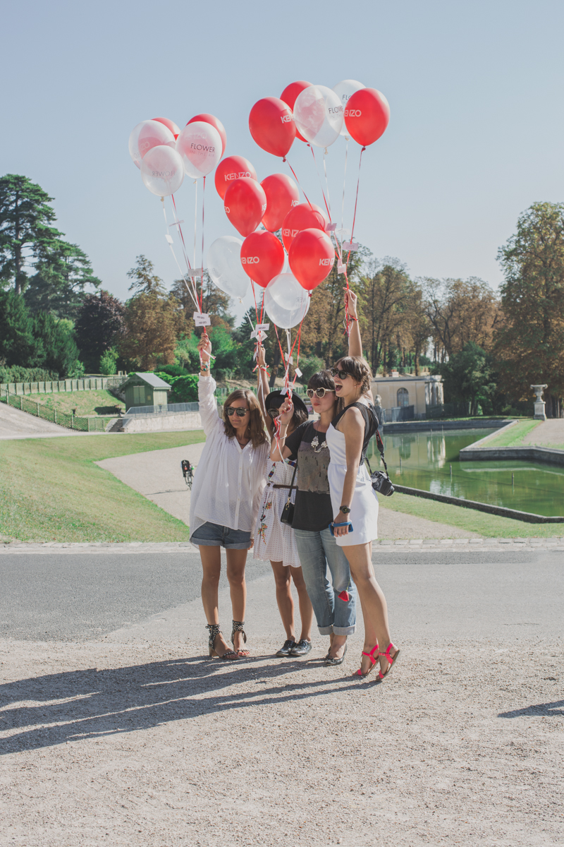 flower in the air event blogueuses kenzo parfums paulinefashionblog.com  10 Poppies & Balloons (Flower in the Air   KENZO)