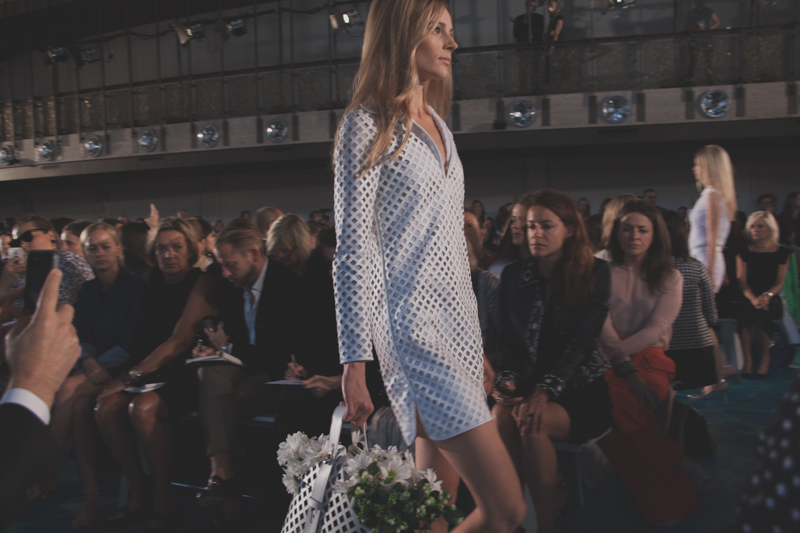 tory burch fashion week new york spring 14 show - paulinefashionblog.com_-3