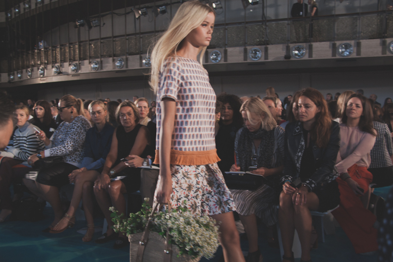 tory burch fashion week new york spring 14 show - paulinefashionblog.com_-4