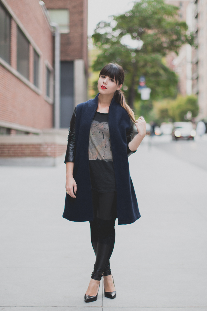 Berenice manteau - legging cuir et daim - paulinefashionblog.com_-2