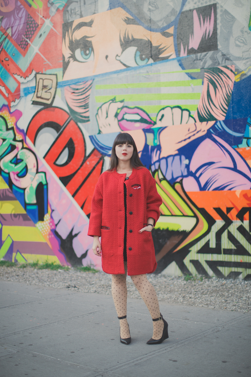 Manteau rouge ASOS red coat bowery street art wall ny - paulinefashionblog.com_-2