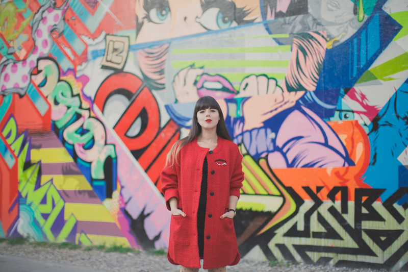 Manteau rouge ASOS red coat bowery street art wall ny - paulinefashionblog.com_-3