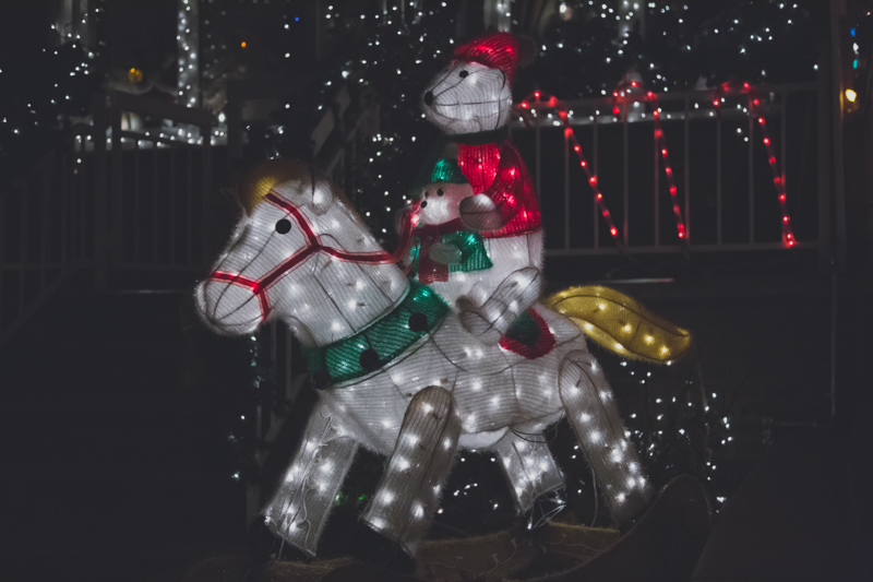 christmas lights dyker heights brooklyn new york paulinefashionblog.com  141 Noël à New York : Dyker Heights, Brooklyn