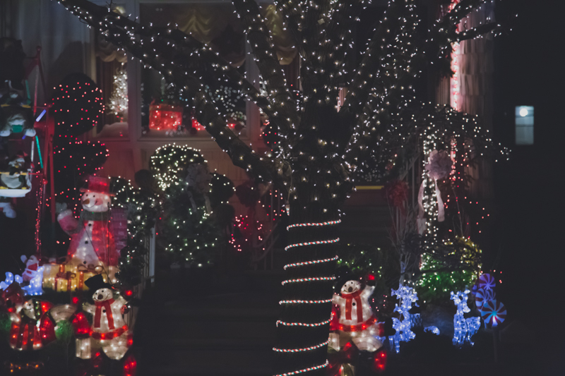christmas lights dyker heights brooklyn new york paulinefashionblog.com  271 Noël à New York : Dyker Heights, Brooklyn