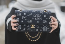 CHANEL vintage bag coco double flap printed navy jersey limited edition - copyright paulinefashionblog.com_