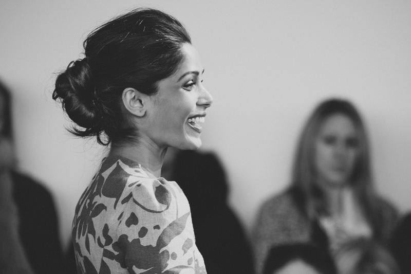 freida pinto michael kors new york fashion week fw14 february 2014 portrait streetstyle - copyright paulinefashionblog.com_