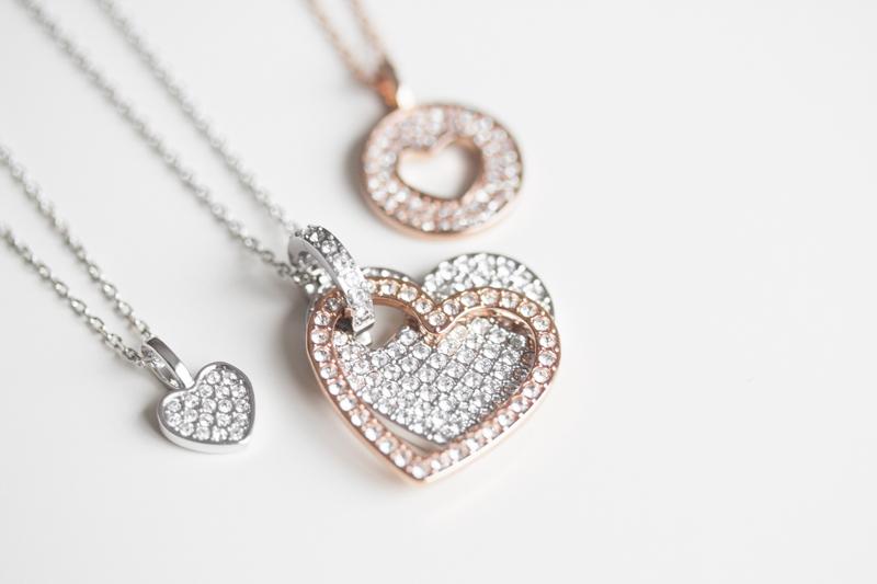idees cadeau st valentin bijou coeur perle cristal swarovski - copyright paulinefashionblog.com_