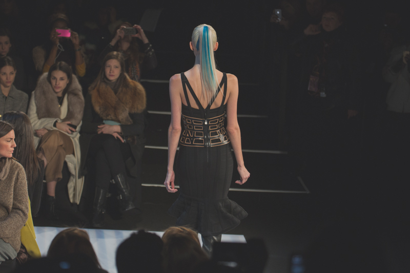 photo herve leger by max azria runway show new york fashion week fw14 copyright paulinefashionblog.com  My NYFW Diary   DAY 3 : Hervé Léger + After Show au Standard