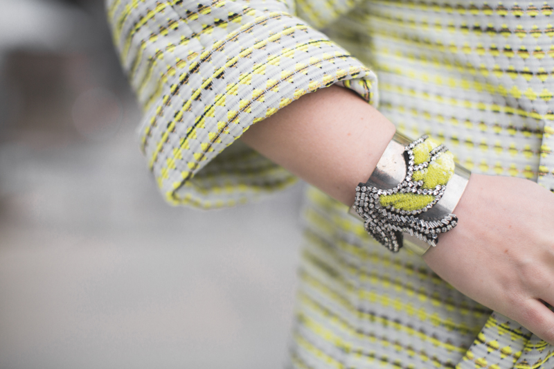 bracelet bangle shourouk bird oiseau yellow neon copyright paulinefashionblog.com  La Magnifique