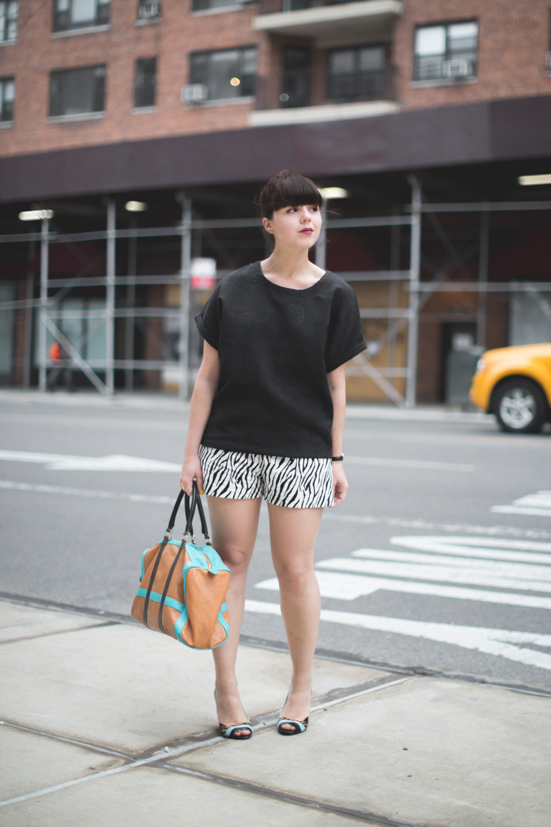 look 3 short zebre 3 suisses - copyright paulinefashionblog.com_