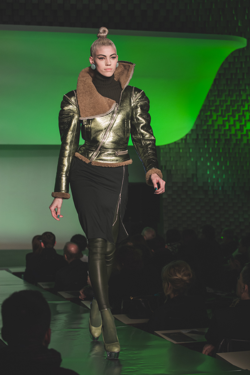 paris fashion week defile jean paul gaultier brits in space - copyright paulinefashionblog.com_-12
