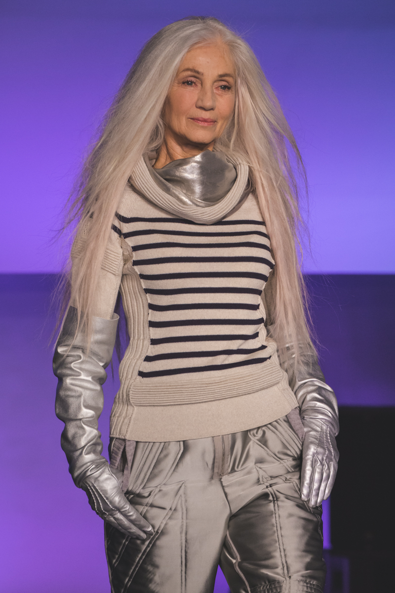 paris fashion week defile jean paul gaultier brits in space - copyright paulinefashionblog.com_-27