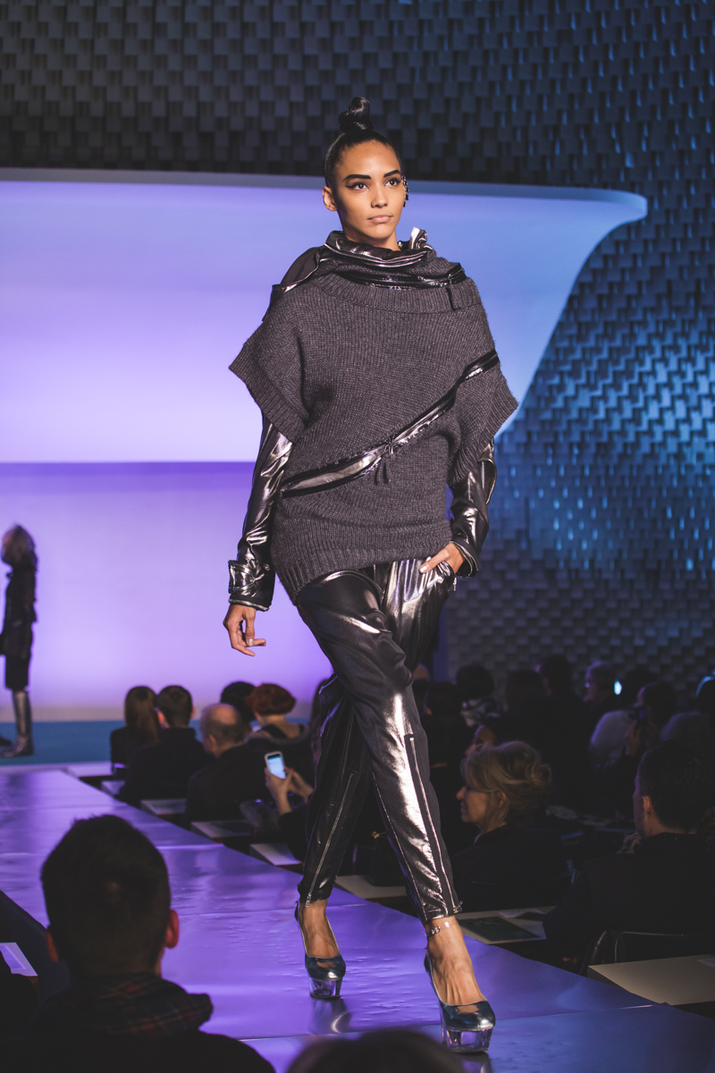 paris fashion week defile jean paul gaultier brits in space - copyright paulinefashionblog.com_-29