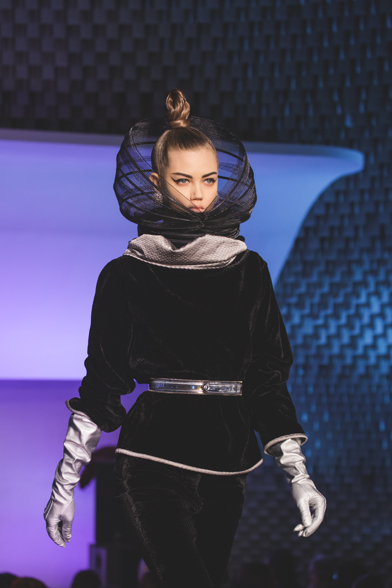 paris fashion week defile jean paul gaultier brits in space - copyright paulinefashionblog.com_-32