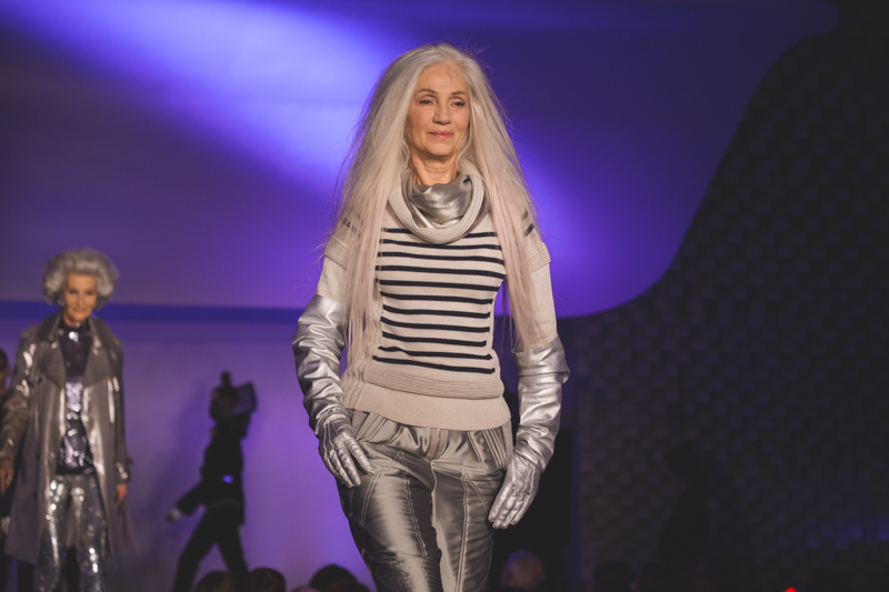 paris fashion week defile jean paul gaultier brits in space - copyright paulinefashionblog.com_-58