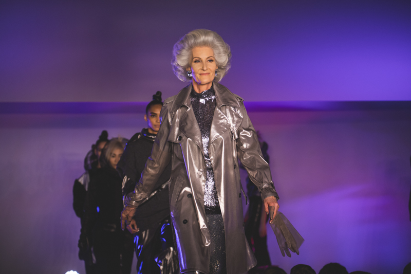 paris fashion week defile jean paul gaultier brits in space - copyright paulinefashionblog.com_-59