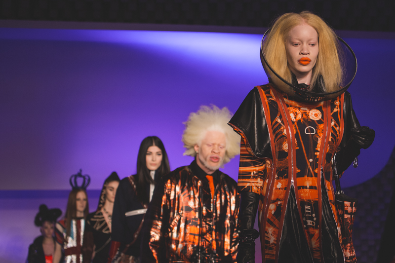 paris fashion week defile jean paul gaultier brits in space - copyright paulinefashionblog.com_-61
