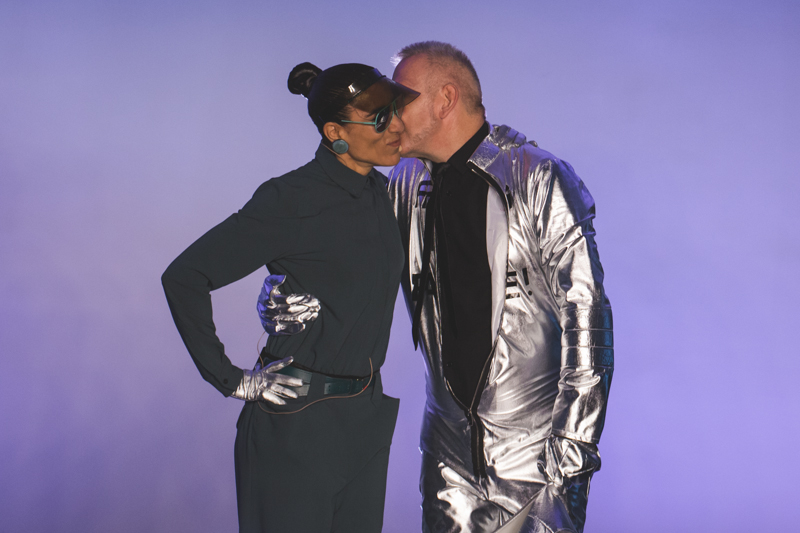 paris fashion week defile jean paul gaultier brits in space - copyright paulinefashionblog.com_-62