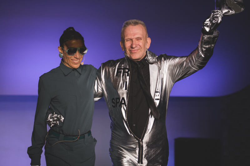 paris fashion week defile jean paul gaultier brits in space - copyright paulinefashionblog.com_-64