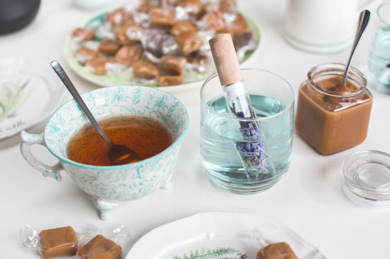 blue teatime la dame aux caramels infusion de mauve - copyright paulinefashionblog.com_-9