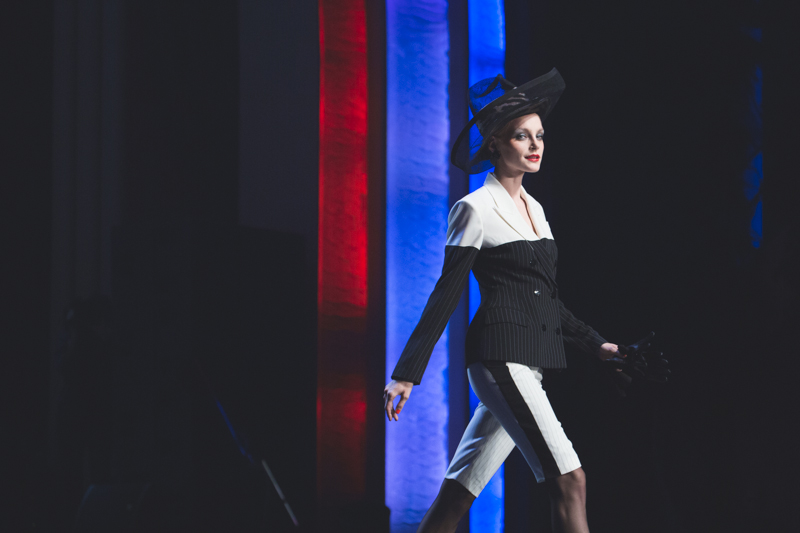 election de miss jean paul gaultier dernier defile pret a porter grand rex photos - copyright paulinefashionblog.com_-6