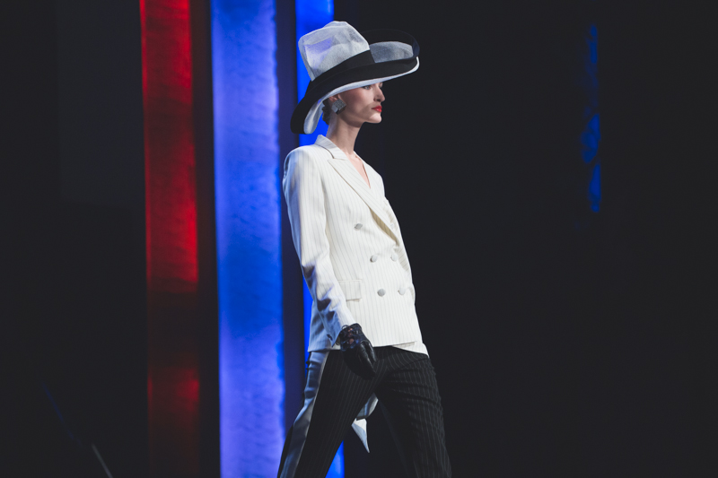 election de miss jean paul gaultier dernier defile pret a porter grand rex photos - copyright paulinefashionblog.com_-7