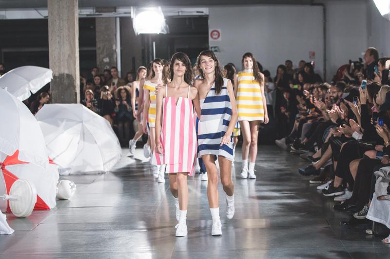 simon jacquemus collection les parasols de marseille ete spring summer 15 2015 show paris fashion week - copyright paulinefashionblog.com_-13