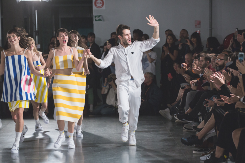 simon jacquemus collection les parasols de marseille ete spring summer 15 2015 show paris fashion week - copyright paulinefashionblog.com_-16