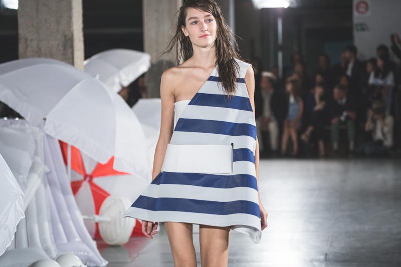 simon jacquemus collection les parasols de marseille ete spring summer 15 2015 show paris fashion week - copyright paulinefashionblog.com_-5