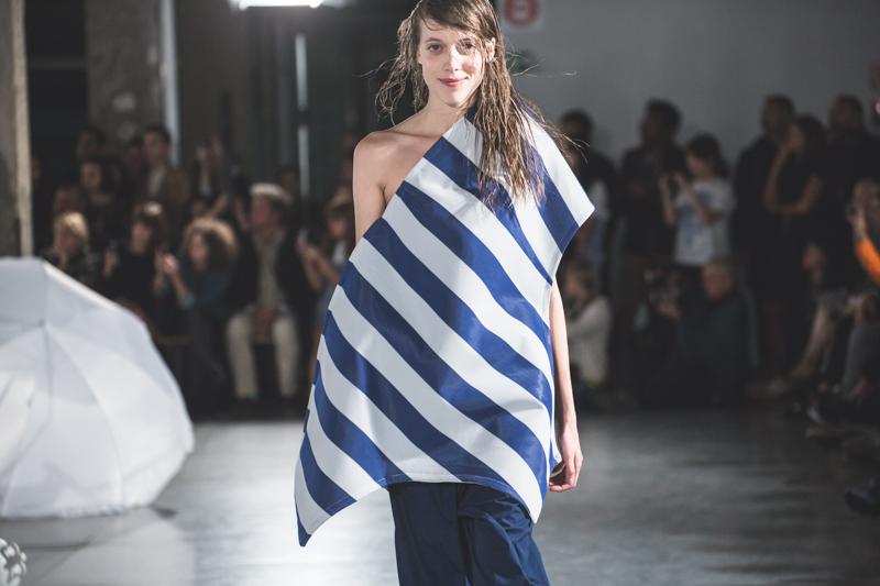 simon jacquemus collection les parasols de marseille ete spring summer 15 2015 show paris fashion week - copyright paulinefashionblog.com_-6
