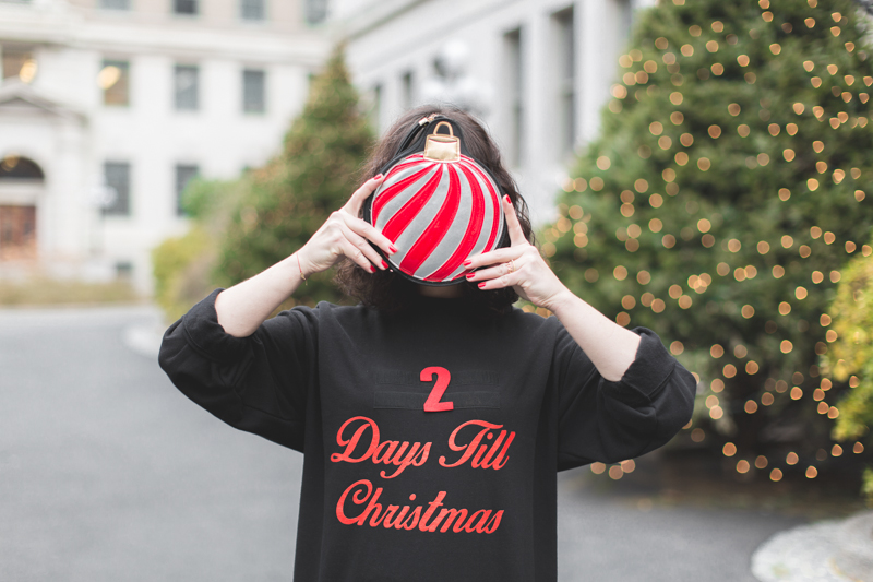 asos countdown days until christmas sweater copyright paulinefashionblog.com  10 2 days till Christmas !