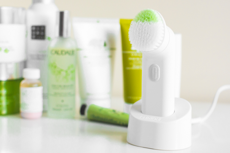 best of beauty 2014 essentials clinique clarisonic brush face - copyright paulinefashionblog.com_