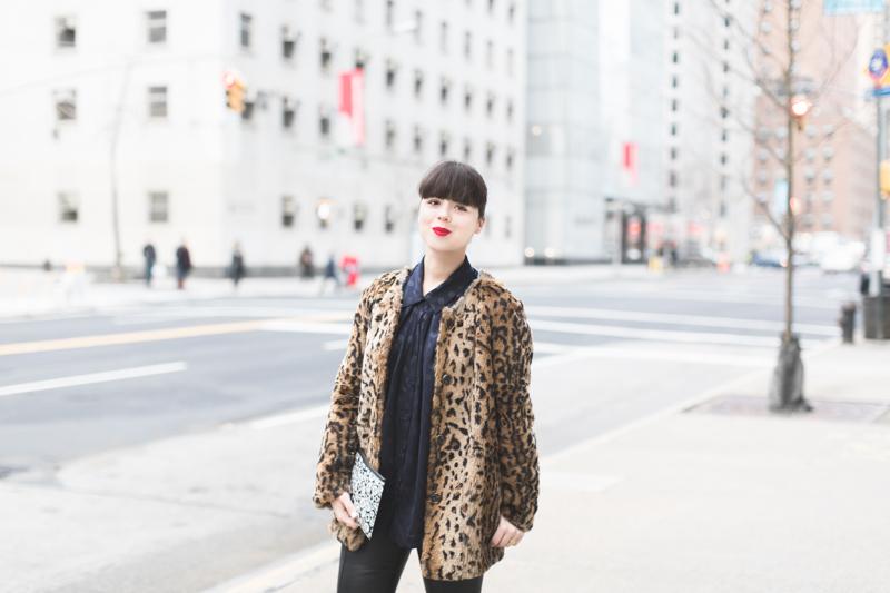 pochette kenzo moumoute leopard slim cuir chemise chats perches - copyright paulinefashionblog.com_-5