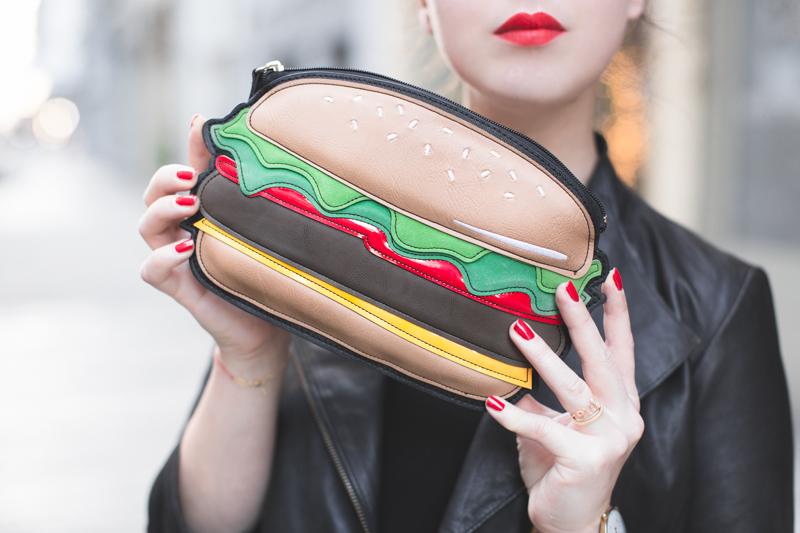 ootd burger date jupe jean sagan zoe macaron anna tirmann copyright paulinefashionblog.com  10 Burger Date