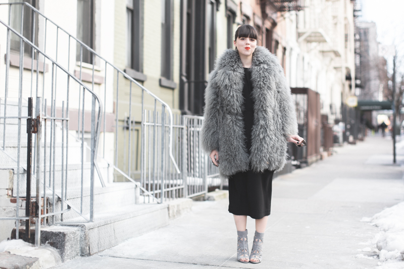 look NINEWEST cage boots eudon choi fur coat copyright paulinefashionblog.com  15 Big Foot   Cold Feet