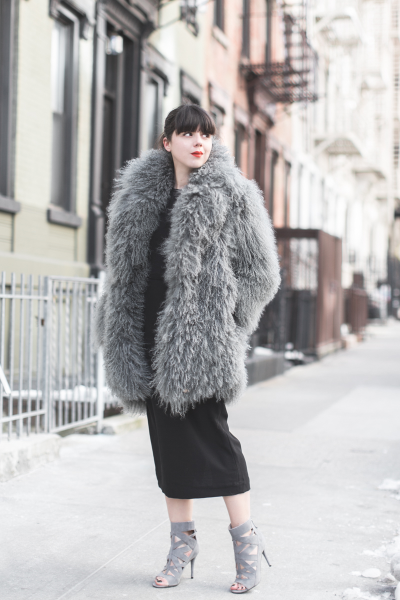 look NINEWEST cage boots eudon choi fur coat copyright paulinefashionblog.com  2 Big Foot   Cold Feet