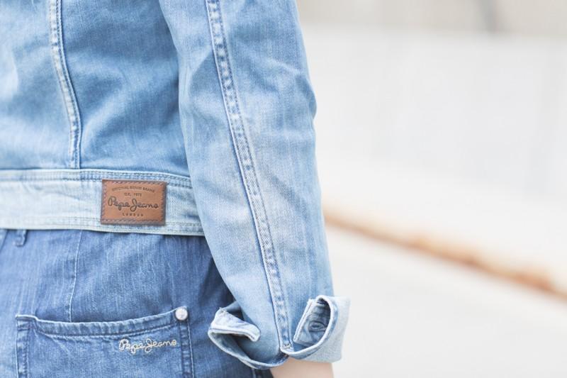 blog pepe jeans london total look demin blouson combishort jean copyright paulinefashionblog.com  5 800x533 Blue Jeans