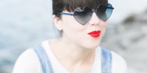 blog wildfox heart shaped sunglasses lolita blue - copyright paulinefashionblog.com_