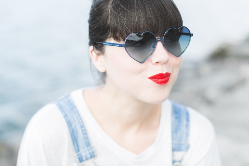 blog wildfox heart shaped sunglasses lolita blue - copyright paulinefashionblog.com_