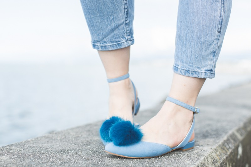 cleo b shoes pompom - copyright paulinefashionblog.com_