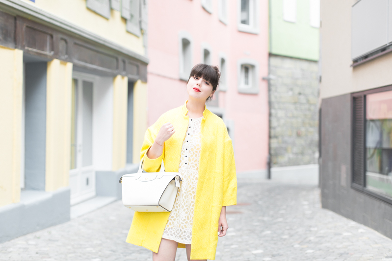 paper london coat carel shoes roseanna dress Longchamp bag copyright PAULINEFASHIONBLOG.COM 0739 Yellow