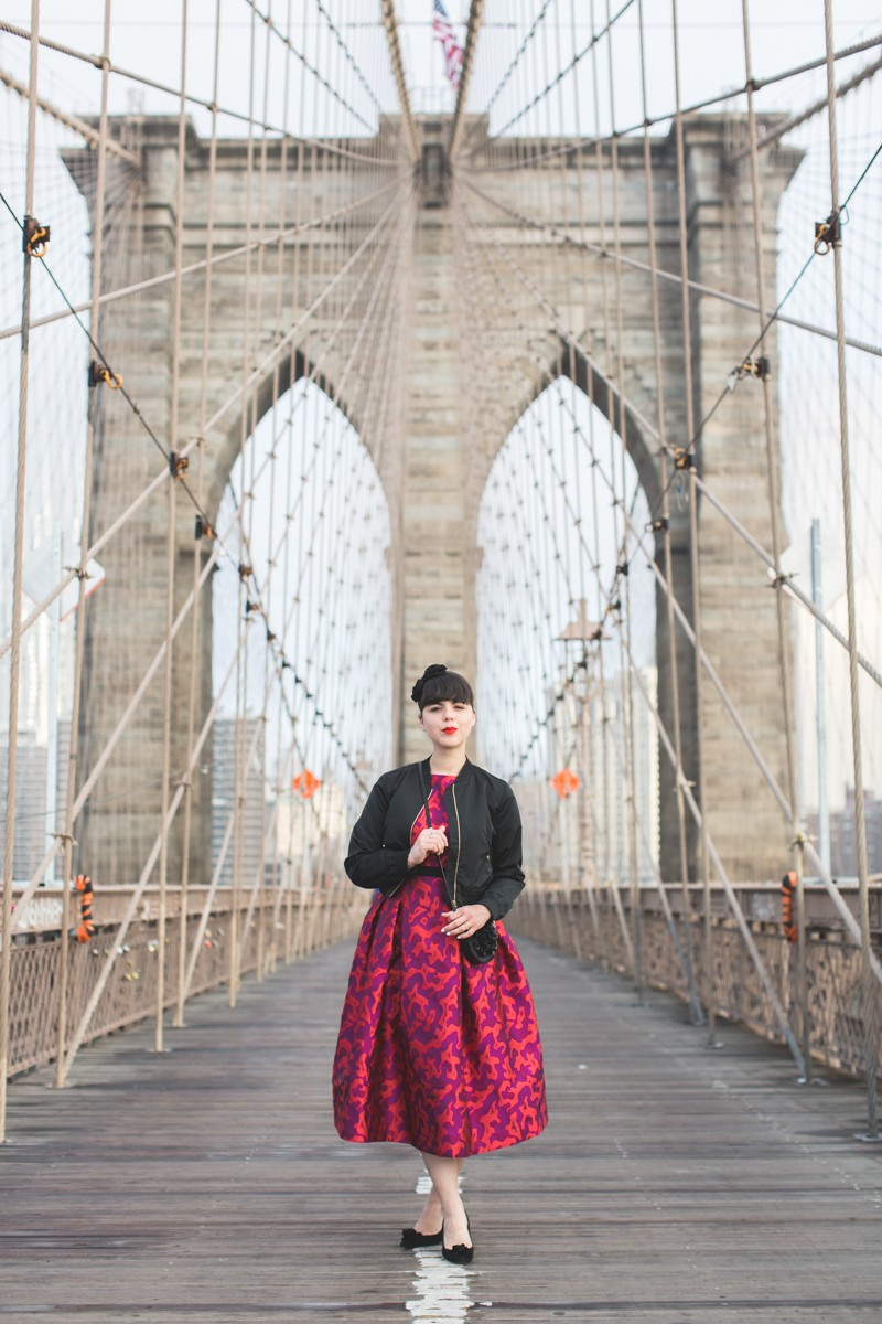 paule ka world wise woman new york brooklyn bridge carrie bradshaw style - copyright paulinefashionblog.com_-3
