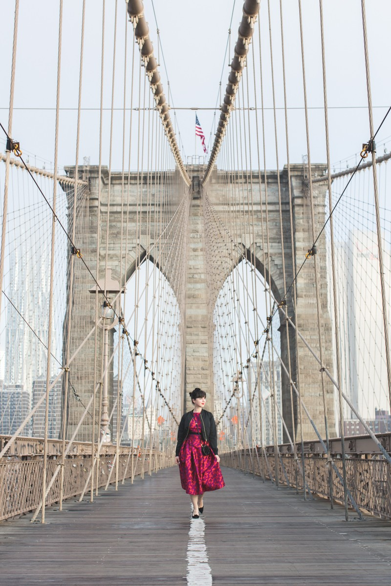 paule ka world wise woman new york brooklyn bridge carrie bradshaw style - copyright paulinefashionblog.com_-4