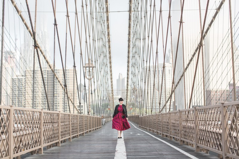 paule ka world wise woman new york brooklyn bridge carrie bradshaw style - copyright paulinefashionblog.com_-9