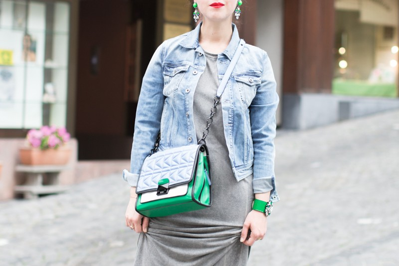 shourouk karl lagerfeld kuilted bag vert bleu pepe jeans iro revolve clothing credit PAULINE PRIVEZ PAULINEFASHIONBLOG.COM 2397 800x533 Green Stuff