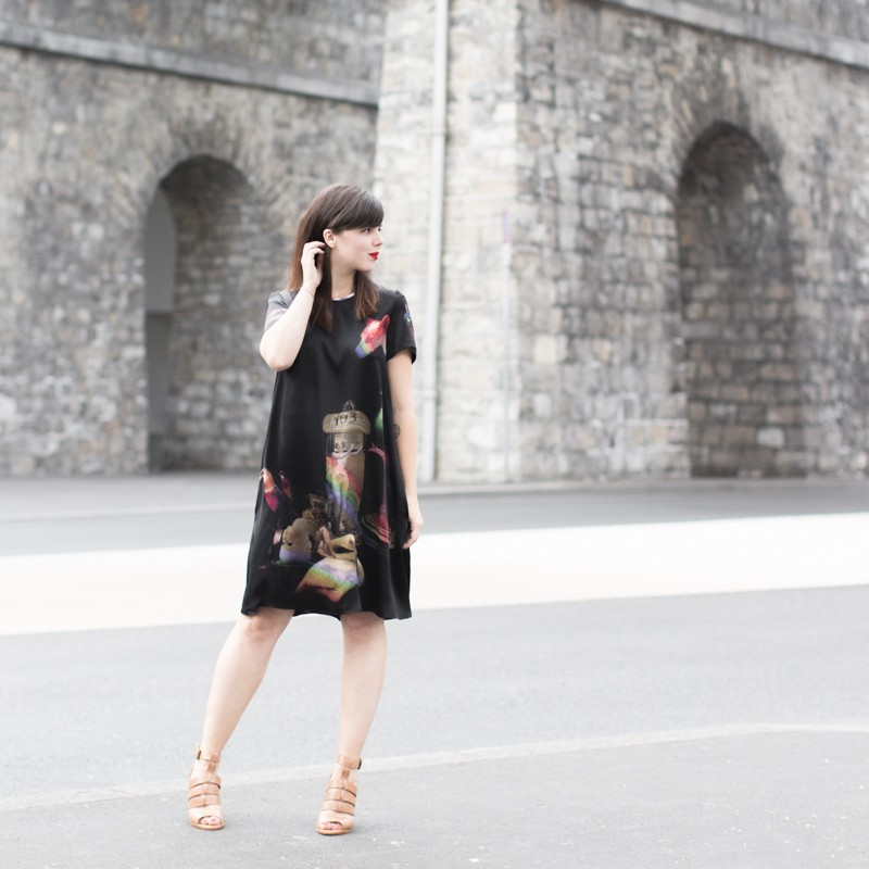 robe klements youngbritishdesigners PAULINEFASHIONBLOG.COM 6 800x800 Curiosités