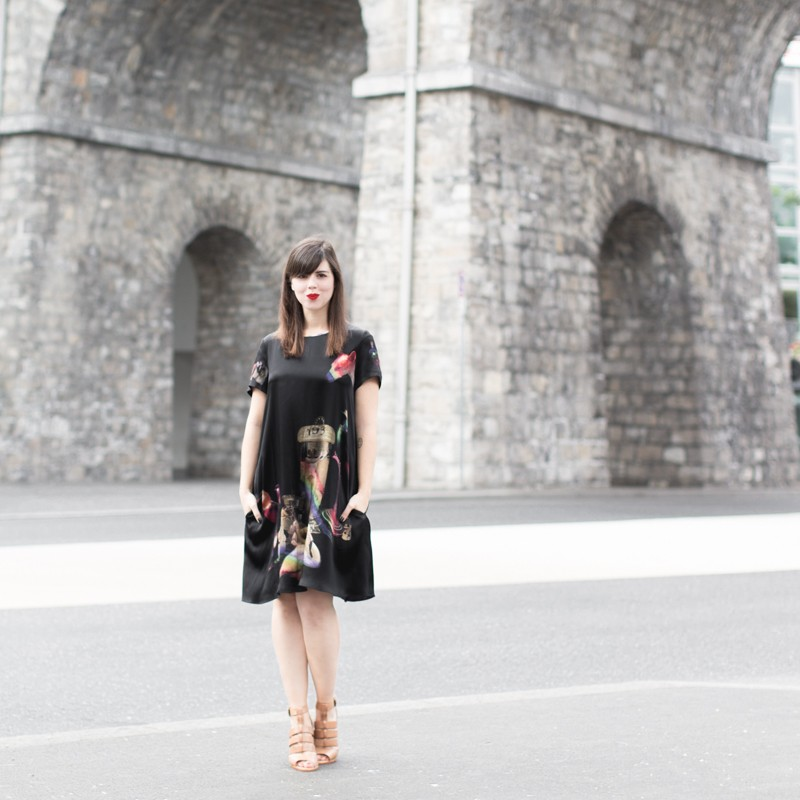 robe klements youngbritishdesigners PAULINEFASHIONBLOG.COM 7 800x800 Curiosités