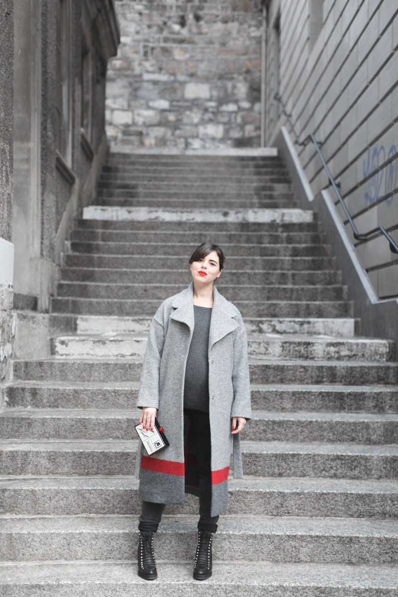 1 ikks manteau ligne rouge karl over the world postcard clutch photo credit paulinefashionblog.com 1 5 800x1200 With love from Karl