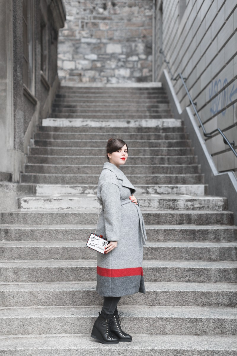 ikks manteau ligne rouge karl over the world postcard clutch photo credit paulinefashionblog.com 1 800x1200 With love from Karl